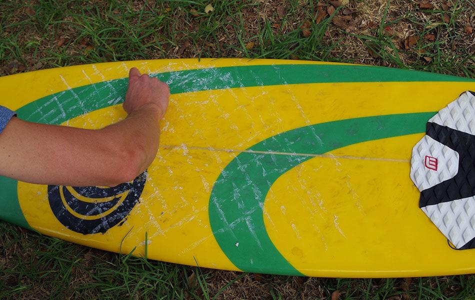 Surfwachs auftragen